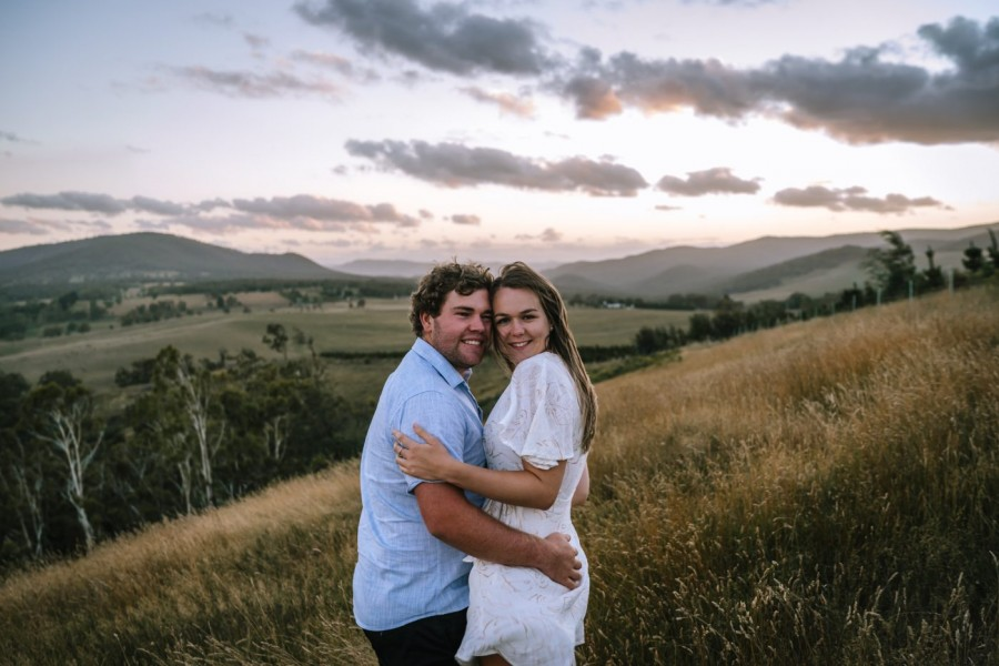 Couple's session in Meadow Flat, NSW