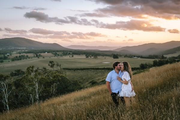 Couple shoot in Meadow Flat, NSW